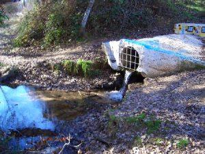 Vertido de aguas residuales.